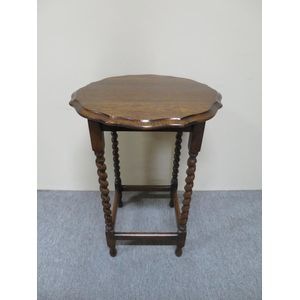 1920's oak occasional table wi