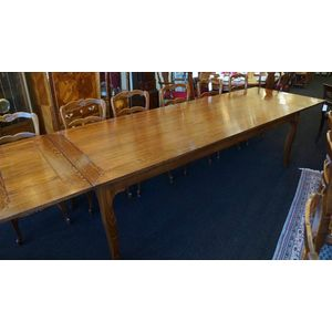Large French Style Oak Ext Table ........