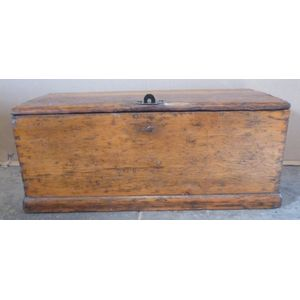 Sugar pine cabinet makers trunk, well made and fully restored 19th century piece. A well used trunk with loads of character.