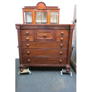 Fine quality mahogany chest of