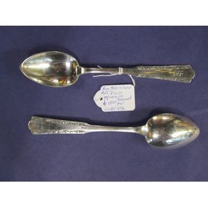 These spoons are Art Deco' (the apostrophe if for the elision, of course*), made in Poland, and 800/100 filne hallmarked solid...
