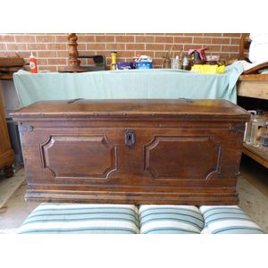 Large Oak chest, total peg con