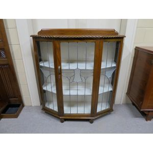 1920's leadlight display cabin