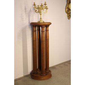 A very well carved sturdy  turned solid oak coulmn stand. The tall four pillar turned and fluted columns firmly mounted onto a...