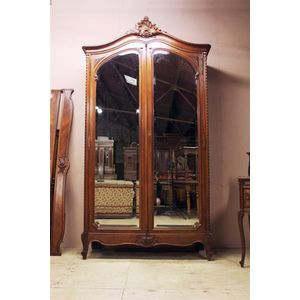 This is a fine quality Louis XVI armoire in lovely original condition. Majestic proportions, beautifully carved and shaped....