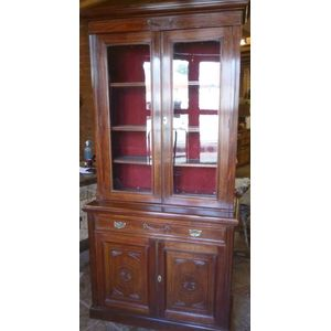 Edwardian mahogany 2 door bookcase, good quality original well made piece of furniture in good original condition. Solid timber...
