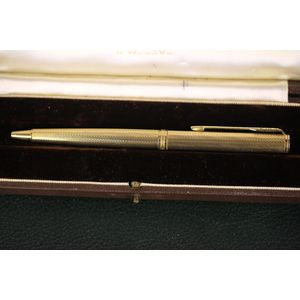 Original Vintage Parker ball point pen. Gilt chisselled detail in bright and matt gold.