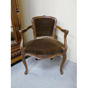 French walnut armchair / desk chair in the Louis XV style. Circa 1900.