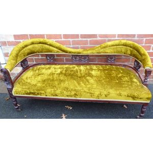 Late Victorian walnut 5 piece tub suite, polish is in good condition, frames are all solid, upholstery is in an original olive...