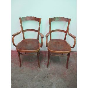 Bentwood carver chair with pre
