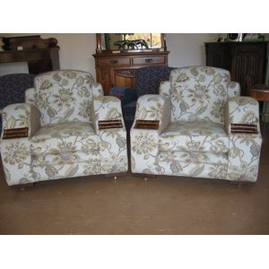 Pair Art Deco armchairs. Originate from the 1930s but have been fully re-upholstered (new webbing, springs and high density...