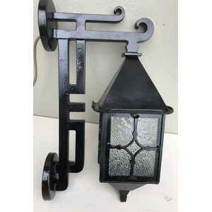 Large 1930's Australian cast porch/wall light with original clear/textured glass panes. Great dec design....and size! Fully...