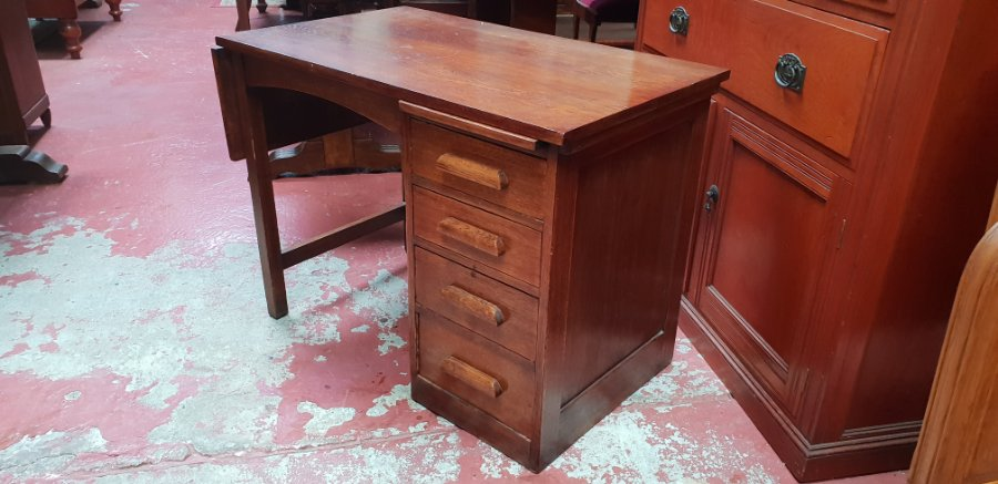 Small Oak Desk. Click On Image To Enlarge