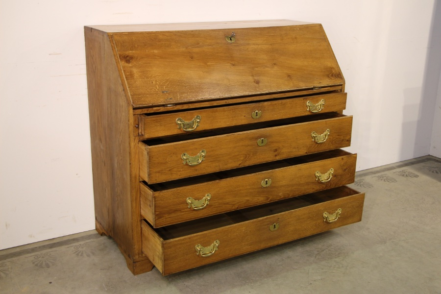 buy 18th century blonde oak bureau desk from antiques and design online. Black Bedroom Furniture Sets. Home Design Ideas